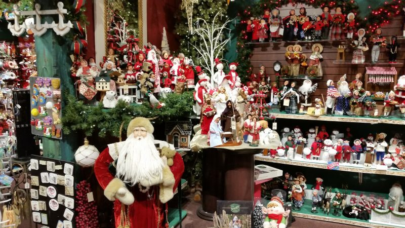 Mia's Christmas Gallery Sparkles Over the Holiday | OCNJ Daily